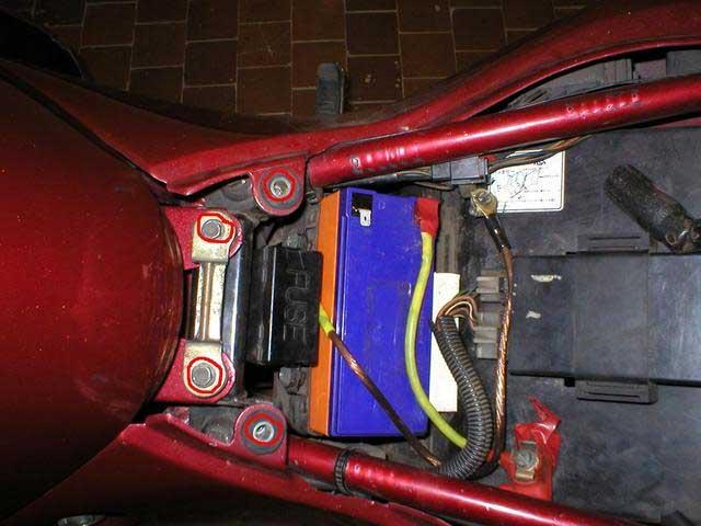 проверка натяжителя на Suzuki RF 400